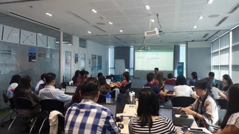 Total Việt Nam trải nghiệm chương trình đào tạo Advanced Excel for Professionals từ UniTrain
