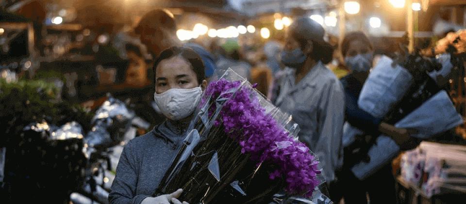 Việt Nam cần thúc đẩy động lực tăng trưởng mới để tránh bẫy kinh tế COVID-19